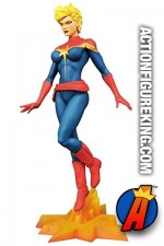 Diamond Select Toys MARVEL Gallery CAPTAIN MARVEL PVC figure.