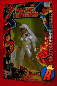 Ariculated Marvel Universe 10-inch Storm action figure from Toybiz.