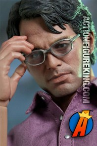 Hot Toys Sixth Scale Movie Bruce Banner fully articulated action figure with cloth outfit.