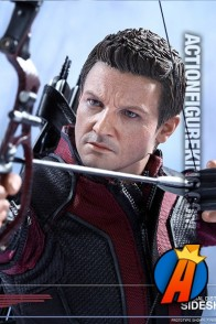 Sideshow Collectibles' sixth-scale Hawkeye action fgure.