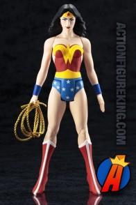 Kotobukiya DC COMICS SUPER-POWERS Collection WONDER WOMAN ArtFX statue.