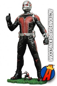 Diamond Select Toys MARVEL Gallery ANT-MAN PVC Figure.