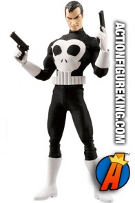 Marvel and Medicom present this fully articualted Real Action Heroes 12 inch Punisher action figure with authentic fabric outfit.