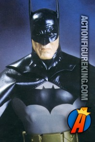 DC Direct presents this 13-Inch Batman Justice action figure based on Alex Ross' artwork.