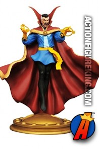 Diamond Select Toys MARVEL Gallery DOCTOR STRANGE 9-inch scale PVC Figure.