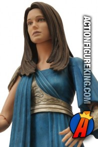 From Thor the Dark World comes this fully articulated Marvel Select Jane Foster action figure.
