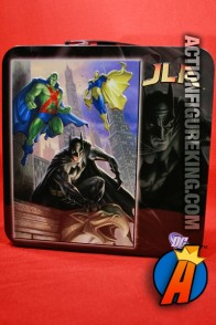 "Great-looking Justice League 500-piece puzzle titled ""Gargoyle"" from Fusion Toys."