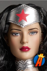 New 52 Wonder Woman fashioj figure from Tonner.