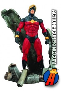 Diamond Select Toys presents this Marvel Select 7-inch Captain Marvel action figure.