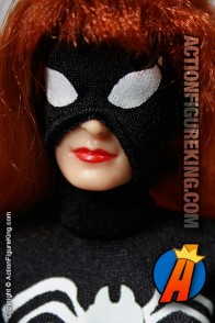 Marvel Famous Cover Series Spider-Woman action figure with removable fabric outfit from Toybiz.