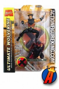 Marvel Select 7-inch scale Ultimate Wolverine figure with Magneto.