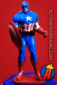 MARVEL Avengers Assemble CAPTAIN AMERICA PVC figure with fan and candy from Frankford.
