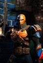 Mezco 1:12 Scale fully articulated Teen Titans villain DEATHSTROKE Action Figure.